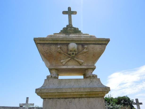 Mosteiro gravesite large pix
